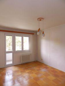 Prodám byt 2+1 s lodžií, 56 m2 v Ostravě – Porubě na ul. K. Pokorného v osobním vlastnictví. 2