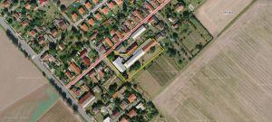 Komerční objekt  s pozemkem 4475m2, 2 km od Kolína a  300m od silnice I.tř. č 38 1