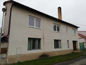 Dvougenerační dům s pozemkem 2913m2, Chotusice u Čáslavi 1