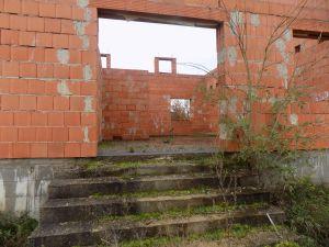 Prodej pozemku s rozestavěným RD Tišice ( Kozly ) okr. Mělník 4