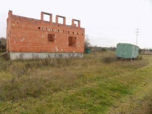 Prodej pozemku s rozestavěným RD Tišice ( Kozly ) okr. Mělník 2
