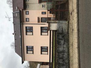 Prodej rod. domu a garáže 1