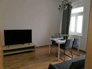 Byt 2+kk v přestížní lokalitě, 52 m2 na 3 měsíce  8