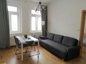 Byt 2+kk v přestížní lokalitě, 52 m2 na 3 měsíce  5