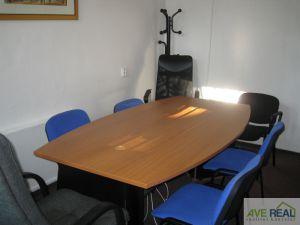 Pronájem kanceláře (19m2) + spol. místnost (12m2) + kuchyňka + soc. zař., Praha 10 (Hostivař) 4
