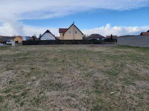 Stavební pozemek pro stavbu provozovny  6 km od ČB 2