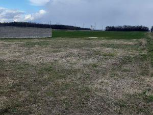 Stavební pozemek pro stavbu provozovny  6 km od ČB 6