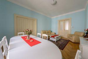 Kompletně zařízený, krásný , slunný byt k pronájmu na Praze 2 6