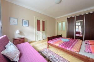 Kompletně zařízený, krásný , slunný byt k pronájmu na Praze 2 2