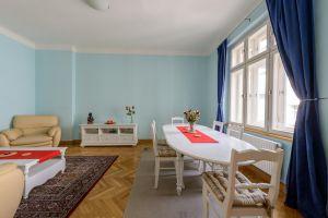 Kompletně zařízený, krásný , slunný byt k pronájmu na Praze 2 5