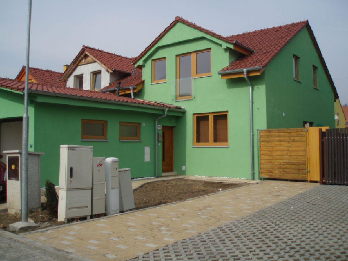 Nový RD 4+kk 164m2,zahrada 350 m2, s garáží + 2 stání