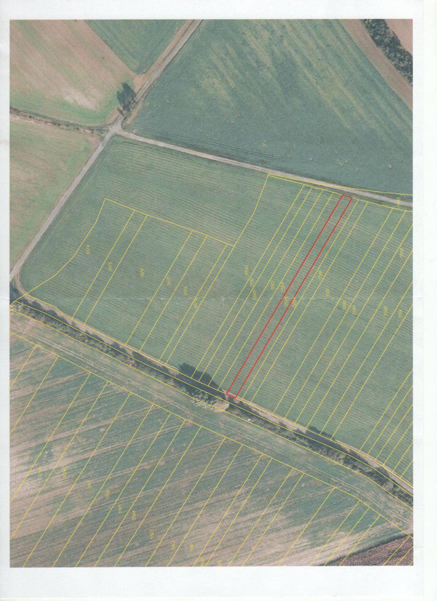 Ořechov okr. UH prodej pozemků orná půda 3.878 m2