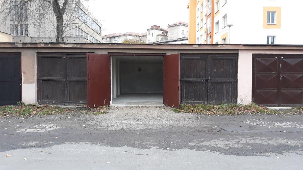 Pronájem garáže Nusle, ul. Na Květnici