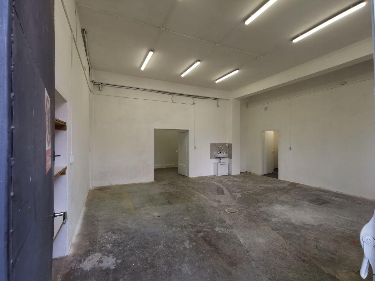 Sklad, dilna, garaz 84,3 m2