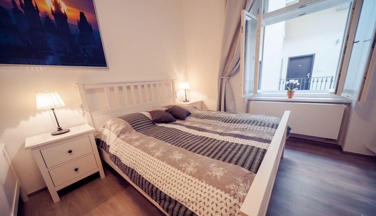 Pronájem bytu 2+1 50m2 ul. Prvního Pluku, Praha - Karlín