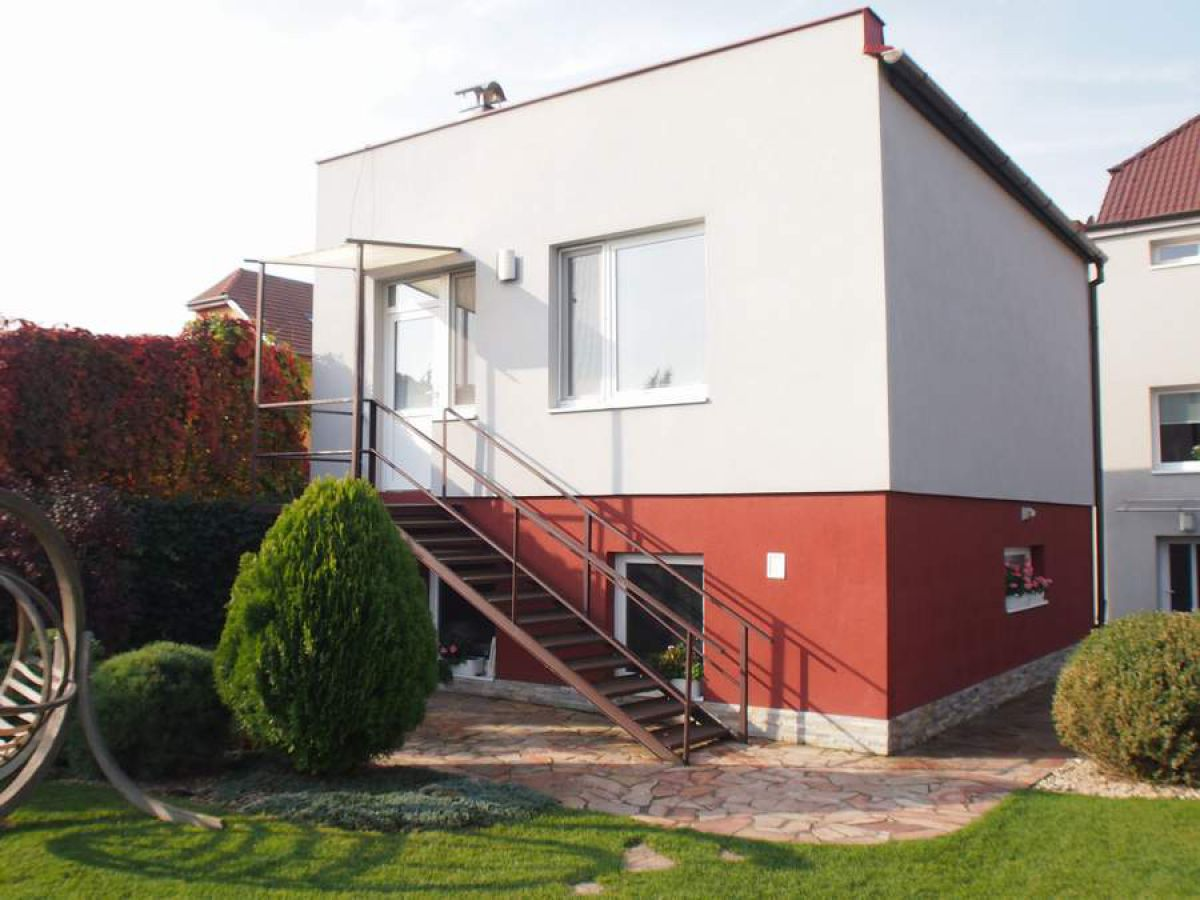 Pronájem bytu 2+kk 43 m2 v zeleni