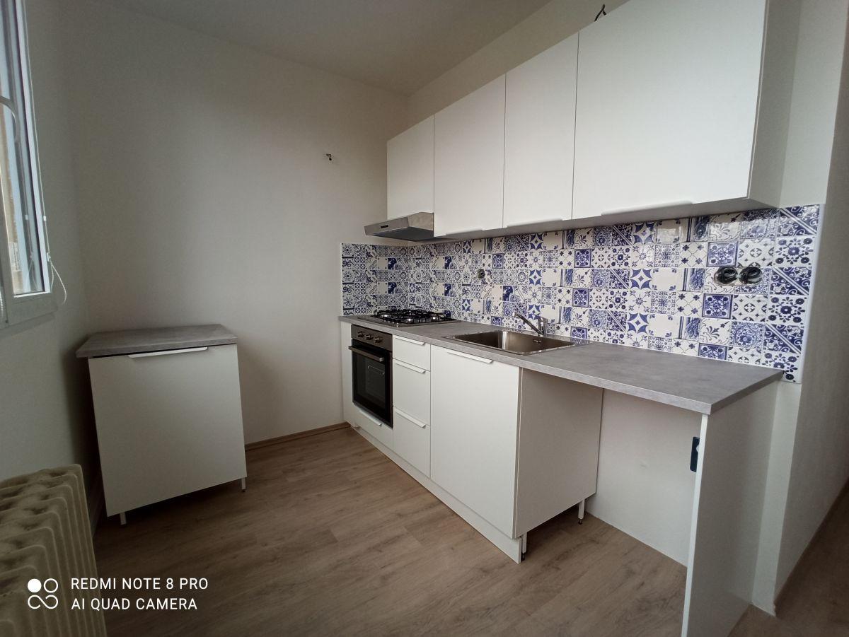 Nově zrekonstruovaný byt 3+1, Brno - Lesná