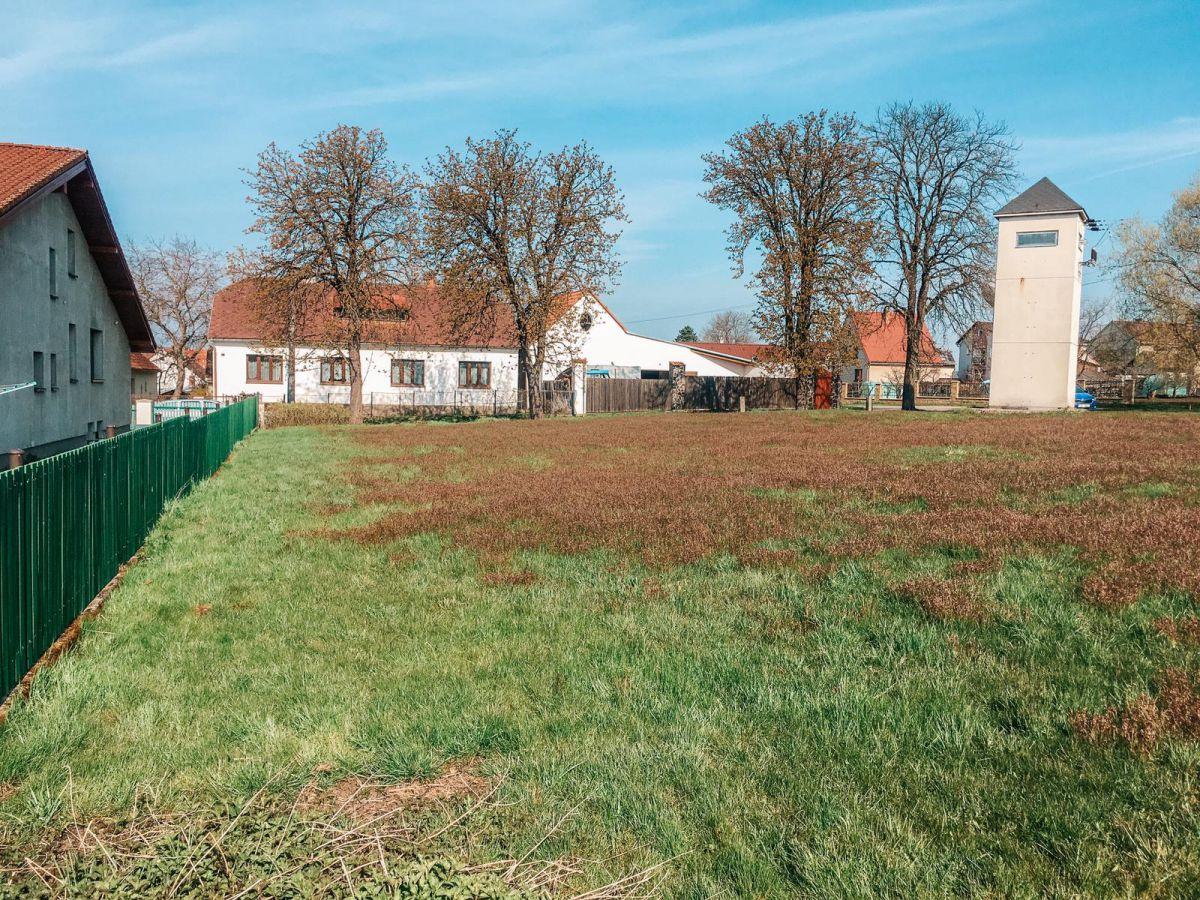 Prodej stavebního pozemku Plavsko, 1395 m2