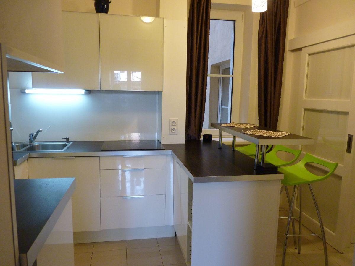 Pronájem zařízeného bytu 2+1, 50 m2, U Svobodárny, Praha 9