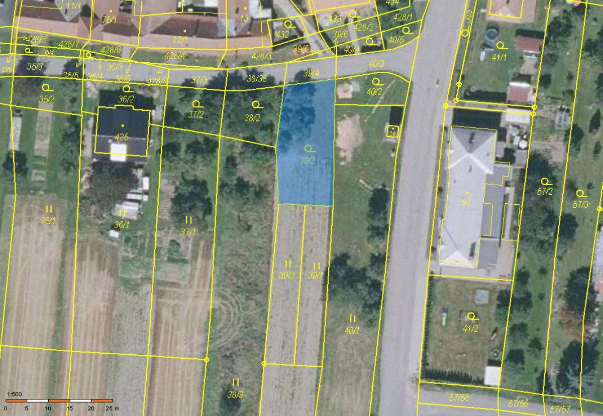 Prodej stavebního pozemku 869m2 v obci Suchý