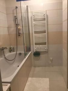 Útulný bílý byt - Soukromý pokoj 5