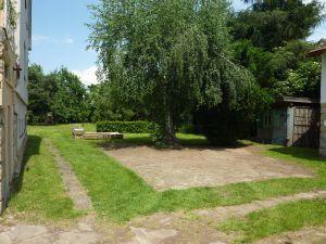 Rodinný dům se zahradou 15