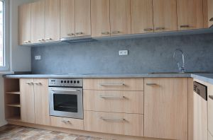 Pronajmu byt po rekonstrukci o dispozici 3+1, 72 m² na adrese Haškova 943, Liberec. 2