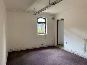 Nebytové prostory, dílna, sklad 12