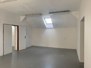 Nebytové prostory, dílna, sklad 10