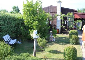 Prodám zahradu s obytnou chatou u Chomutova 2