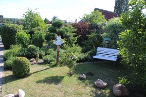 Prodám zahradu s obytnou chatou u Chomutova 13