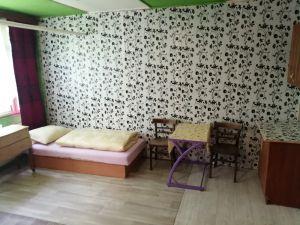 Levné ubytování od 130 Kč/den  (děti 50 Kč) 4