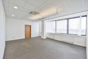Pronájem kanceláře BEZ PROVIZE od 17 m². 4