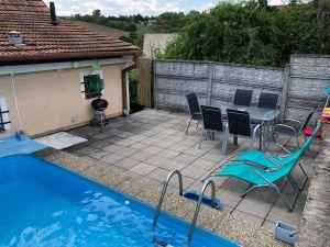 Dům s bazénem a sklepem 5+1 5