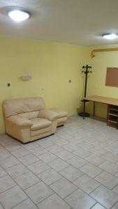 Nabízíme k prodeji krásný cihlový byt v osobním vlastnictví o dispozici 3+1 s výměrou 76 m2 + balkon 3,2 m2 + garáž pod domem + sklep 31 m2.  11