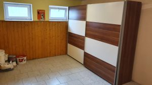 Nabízíme k prodeji krásný cihlový byt v osobním vlastnictví o dispozici 3+1 s výměrou 76 m2 + balkon 3,2 m2 + garáž pod domem + sklep 31 m2.  14