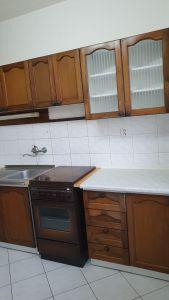 Nabízíme k prodeji krásný cihlový byt v osobním vlastnictví o dispozici 3+1 s výměrou 76 m2 + balkon 3,2 m2 + garáž pod domem + sklep 31 m2.  10