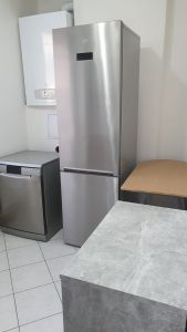 Nabízíme k prodeji krásný cihlový byt v osobním vlastnictví o dispozici 3+1 s výměrou 76 m2 + balkon 3,2 m2 + garáž pod domem + sklep 31 m2.  12