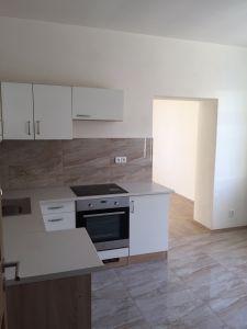 PRAHA 10-Strašnice  - pronájem bytu 3+1, bez RK  1