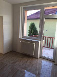 PRAHA 10-Strašnice  - pronájem bytu 3+1, bez RK  3