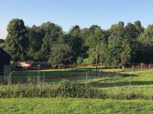 Prodáme v obci Podmyče dvě zahrady, které jsou rozděleny stodolou 5