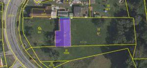Prodáme v obci Podmyče dvě zahrady, které jsou rozděleny stodolou 3