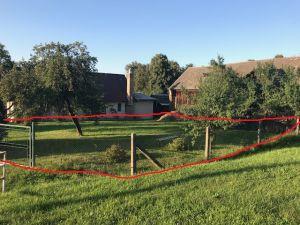 Prodáme v obci Podmyče dvě zahrady, které jsou rozděleny stodolou 2