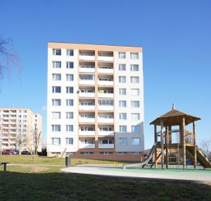 Pronájem byt 4+1, Zlín, JS, ulice Budovatelská  4816 13