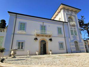 V Itálii Abruzzo, 300 metrů od nejkrásnějších pláží Jaderského moře, historická vila 8