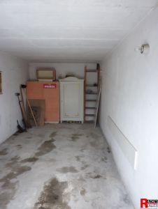 Prodej zrekonstruovaného bytu 3+1 s lodžií a zděnou garáží na Plešivci v Českém Krumlově. 10
