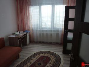 Prodej zrekonstruovaného bytu 3+1 s lodžií a zděnou garáží na Plešivci v Českém Krumlově. 5