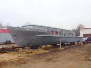 Rekreační loď - plovoucí apartmán 2