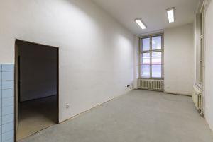 Pronájem komerčních prostor v objektu výpravní budovy železniční stanice Brno Hlavní nádraží  3
