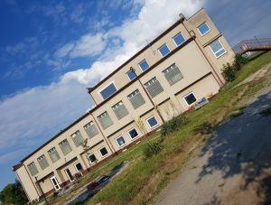 Budova 1 500 m² s pozemkem 2700m2  20
